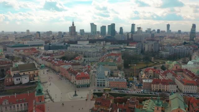 warschau downtown skyline city time lapse mit wolken dynamic, polen - warschau stock-videos und b-roll-filmmaterial