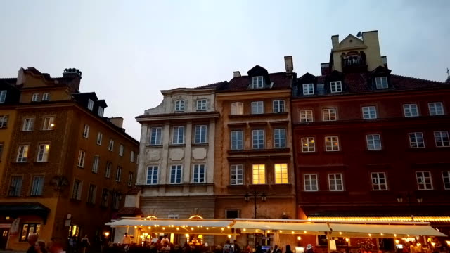 warsaw old town hyperlapse - polonia video stock e b–roll