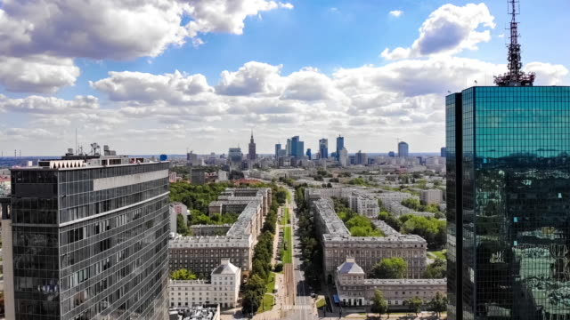 warszawa - widok na centrum miasta - polska filmów i materiałów b-roll