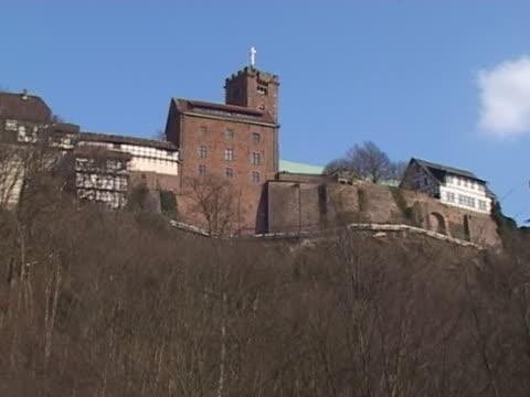 вартбург: west вид сбоку - центральная европа стоковые видео и кадры b-roll