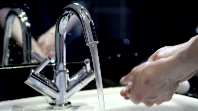 vídeos y material grabado en eventos de stock de lavado de manos y jabón. - hand sanitizer