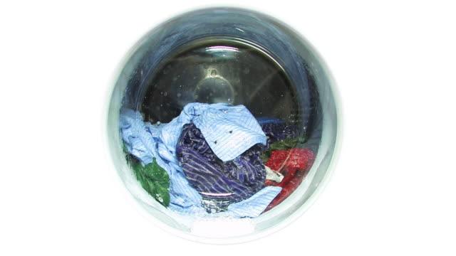 waschmaschine-bullauge, isoliert - waschmaschine stock-videos und b-roll-filmmaterial