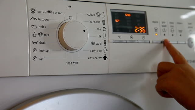 waschmaschine anfang bis ende - waschmaschine stock-videos und b-roll-filmmaterial