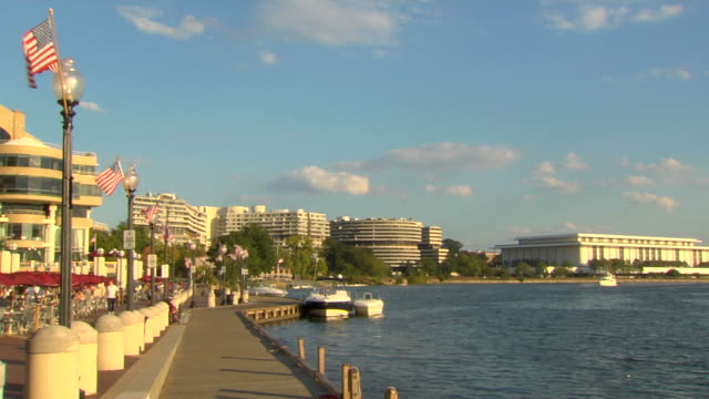stockvideo's en b-roll-footage met hd washington, dc boardwalk_ws4 (1080/24p) - pier