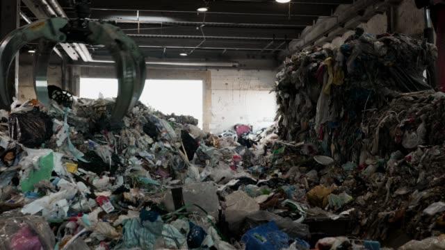 recykling odpadów - odzież filmów i materiałów b-roll