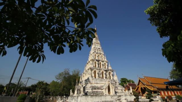 templet wat chedi liam i chiang mai thailand - kungen av thailand bildbanksvideor och videomaterial från bakom kulisserna