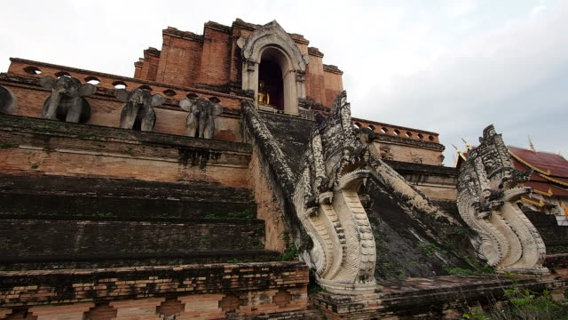 Wat Chedi Luang Stupa in Chiang Mai, Thailand video