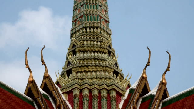 Wat Phra Kaew, Grand palace,  in Bangkok,Thailand video
