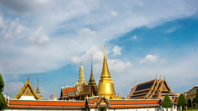 TD TL WS of Wat Phra Kaew Temple famous place in Bangkok, Thailand video