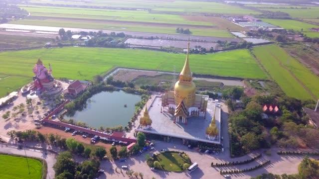 chachoengsao eyaletinde wat prong arkad tapınağı, tayland - bangkok stok videoları ve detay görüntü çekimi