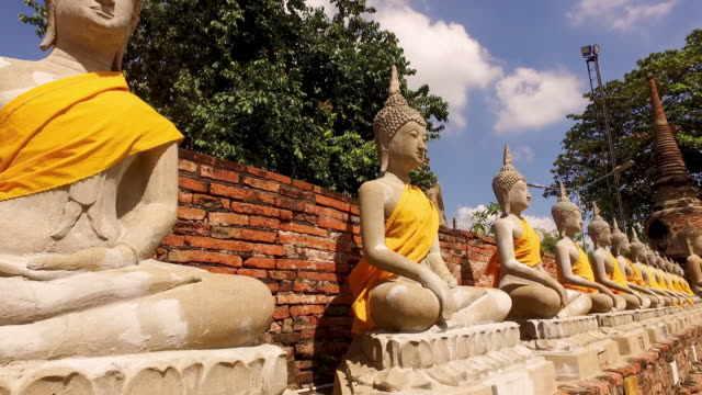 wat yai chai mongkhon i ayutthaya - thailand bildbanksvideor och videomaterial från bakom kulisserna
