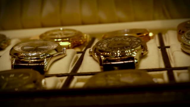vidéos et rushes de montre de poche de luxe - joaillerie