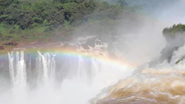 water falling in river - национальный парк плитвицкие озёра стоковые видео и кадры b-roll
