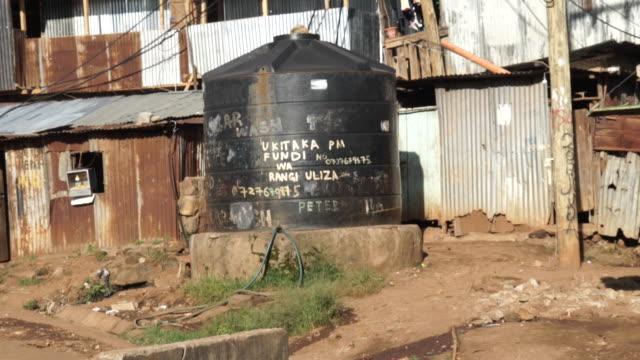 vídeos de stock e filmes b-roll de water tank cistern - panning shot - economia circular