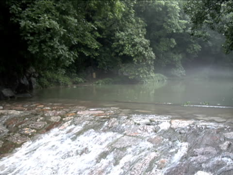 stockvideo's en b-roll-footage met waterfall in linying temple, hang zhou, china - natuurgrond