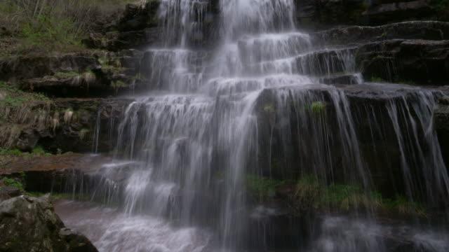 waterfalls in wild nature - lunghezza video stock e b–roll