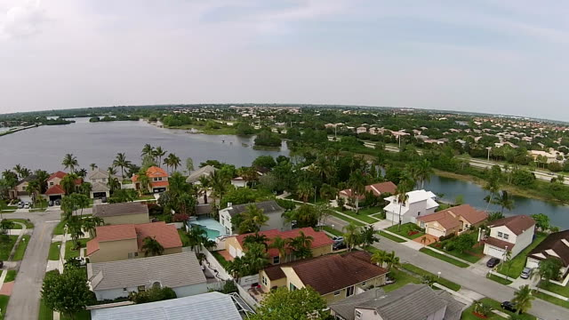 Waterfront homes in Florida video