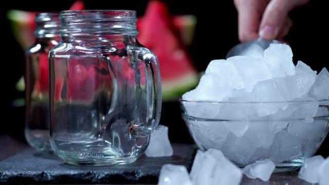 vattenmelon smoothie - konserveringsburk bildbanksvideor och videomaterial från bakom kulisserna