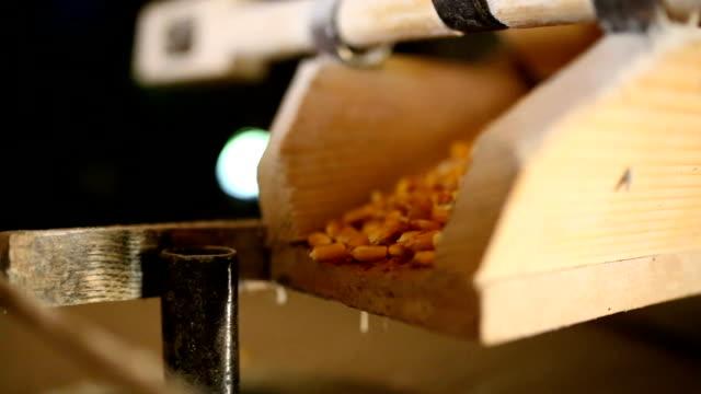 wassermühle - grind stock-videos und b-roll-filmmaterial