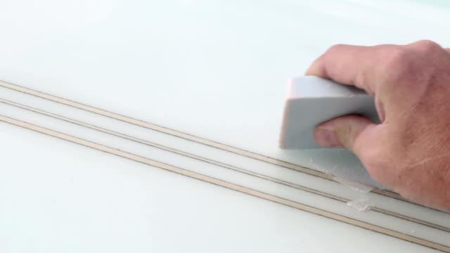 wachs-epilation - wachs epilation stock-videos und b-roll-filmmaterial