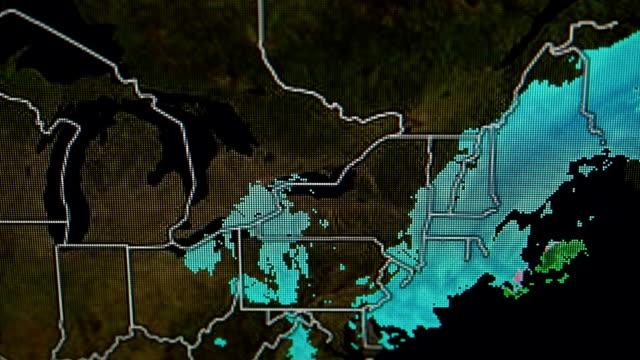 vídeos de stock e filmes b-roll de boletim meteorológicocomment - weatherman