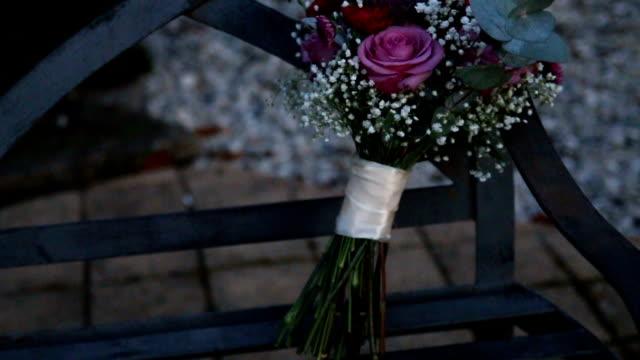 wedding bouquet - trillium video stock e b–roll