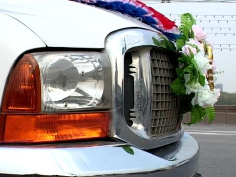 wedding in moscow  1 - röda torget bildbanksvideor och videomaterial från bakom kulisserna