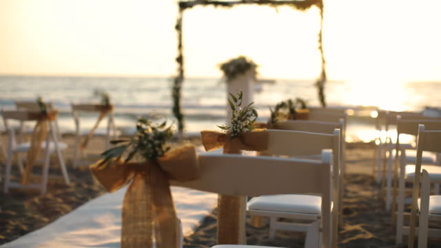 vídeos de stock, filmes e b-roll de casamento na praia - casamento