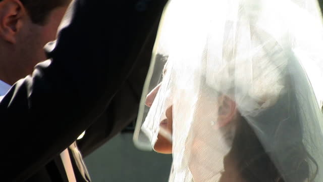 HD: Wedding Kiss video