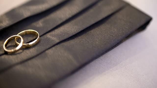装飾ボックス 4 k での結婚指輪 - 指輪点の映像素材/bロール