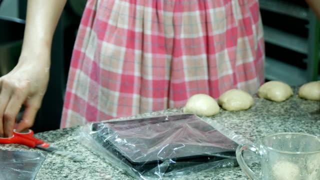 Weighing of dough video