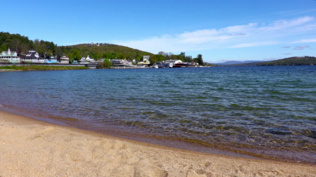 weirs beach on lake winnipesaukee - пелопоннес стоковые видео и кадры b-roll