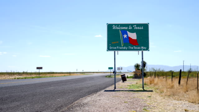 vídeos de stock e filmes b-roll de welcome to texas sign - sul