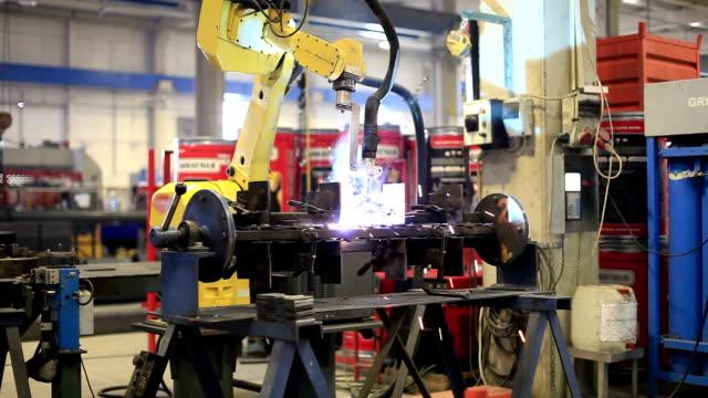 Welder robot video