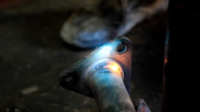 Welding steel video