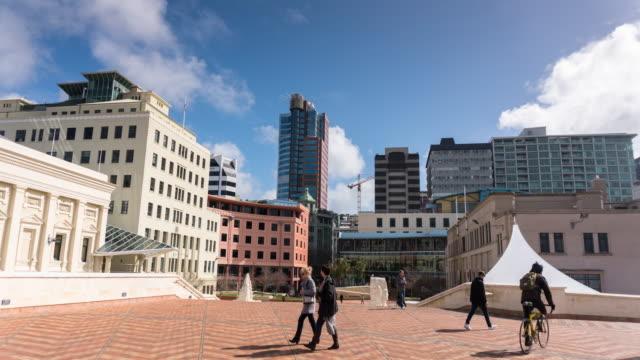 vídeos de stock e filmes b-roll de wellington civic square - time lapse - wellington