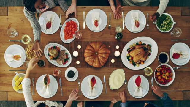 we're thankful for what we have - cena natale video stock e b–roll