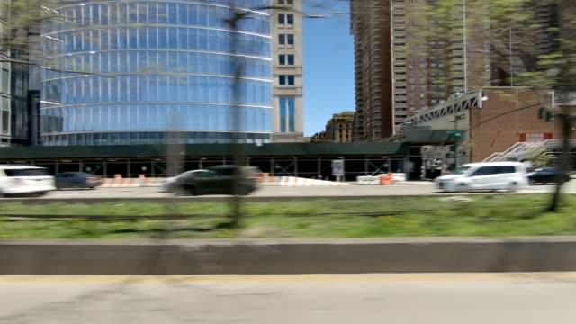 vidéos et rushes de west highway xiv synchronisé série vue de gauche conduite studio plaque de process - vue latérale