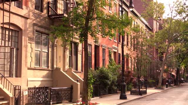 west village straße skizzen in new york city - sandstein stock-videos und b-roll-filmmaterial