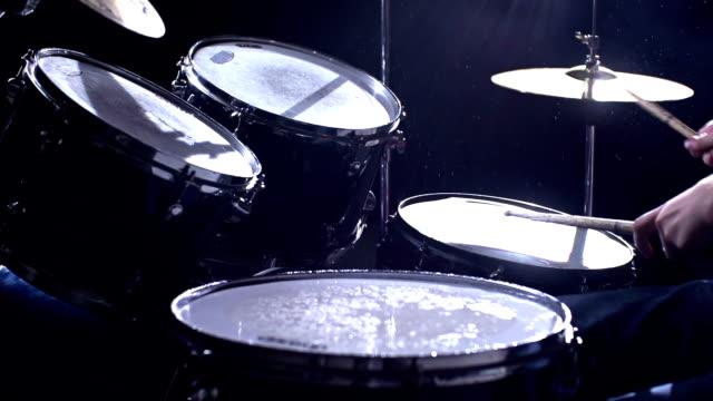wet drums - trumset bildbanksvideor och videomaterial från bakom kulisserna
