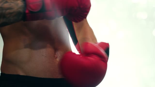 when life gets tough, put on your boxing gloves! - guanto indumento sportivo protettivo video stock e b–roll