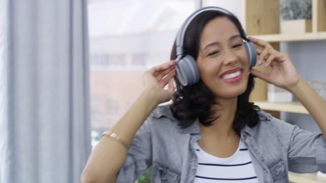 där skulle vi vara utan musik? - latino music bildbanksvideor och videomaterial från bakom kulisserna