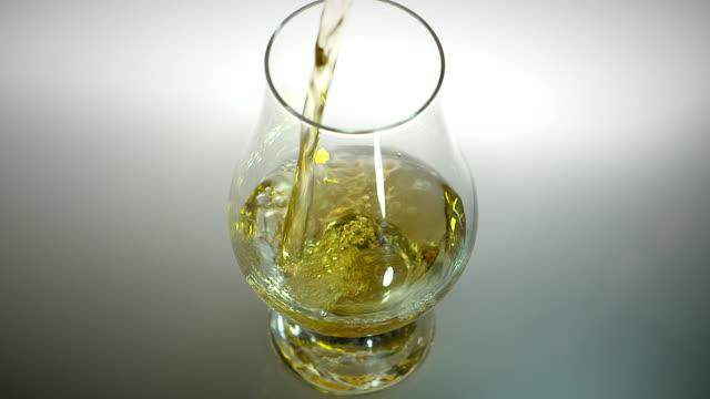 whiskey glass - brandy video stock e b–roll