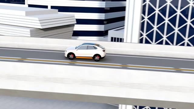 Weiße autonomen Elektro-SUV fahren auf der Autobahn – Video