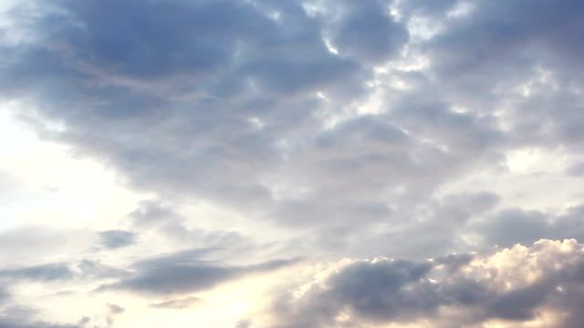 stockvideo's en b-roll-footage met witte wolken op blauwe hemel - blue sky