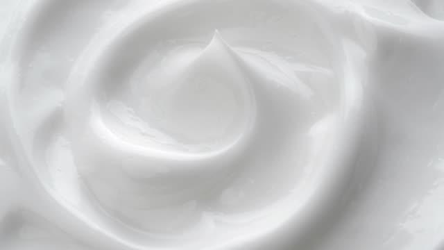 Blanco suave crema cosmética. - vídeo