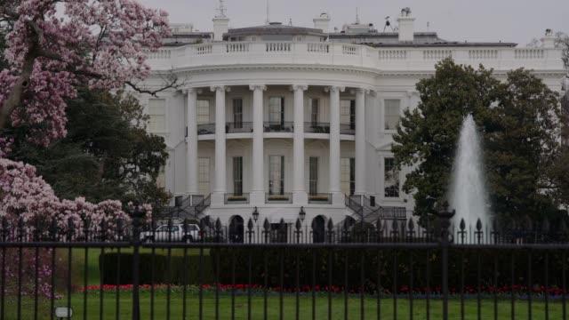 White House South Lawn Washington, DC Zoom in 4k/UHD video