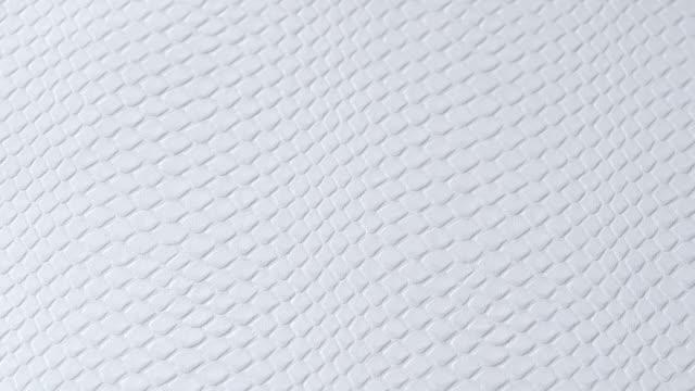 stockvideo's en b-roll-footage met witte lederen textuur achtergrond luxe grunge kleur oppervlak echte abstracte macro close-up. - dierenhuid huid