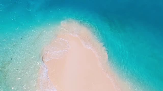 White sand bank and turquoise ocean from above White sand bank and turquoise ocean from above perfection stock videos & royalty-free footage