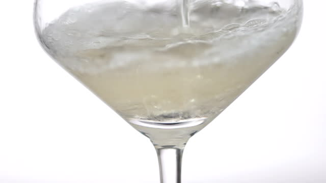 white wine closeup macro - vitt vin glas bildbanksvideor och videomaterial från bakom kulisserna